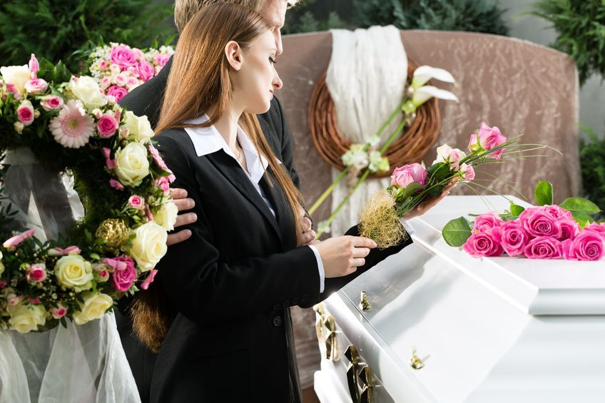 What Purpose Does a Funeral or Memorial Service Serve?