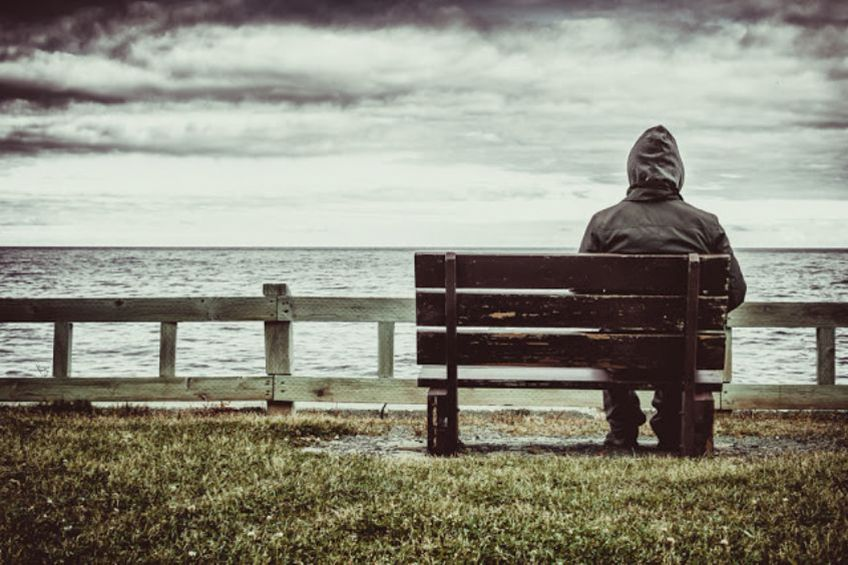 Grieving Alone: How to Help Someone Who's Mourning in Isolation